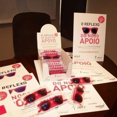 Presentación de la iniciativa solidaria que llevará a cabo, por tercer año consecutivo el Centro Comercial Aberto y AECC Ourense.