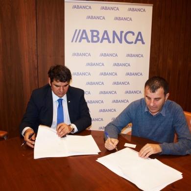 Firma convenio con Abanca