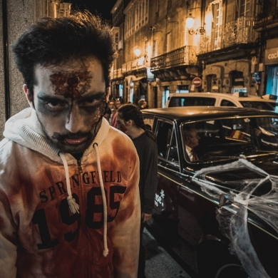 """Invasión Zombie Ourense Centro - """"Compra sen Medo"""""""