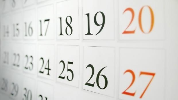 Domingos e festivos de apertura autorizada en 2012