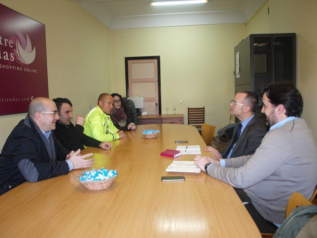 Encuentro entre la Junta Directiva del CCA y Jesús Vázquez Abad, Candidato a la Alcadía por el PP