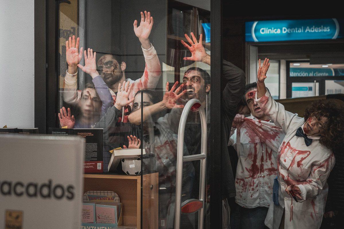 Los zombies invadieron las calles del centro de la ciudad